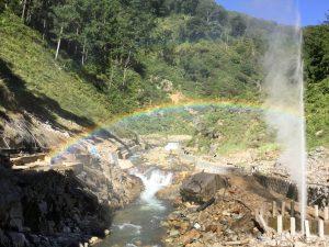 地獄谷噴泉と野天風呂